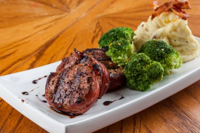 pork with broccoli and mashed potatoes