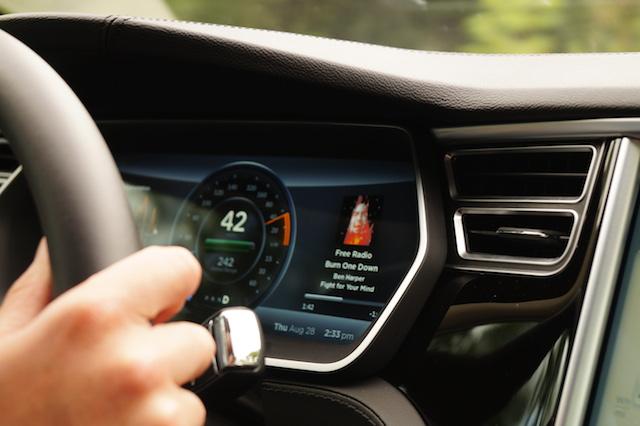 Tesla_Dashboard