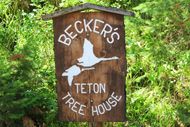 Source: https://www.facebook.com/pages/A-Teton-Tree-House-Bed-Breakfast-Inn/224458077702020