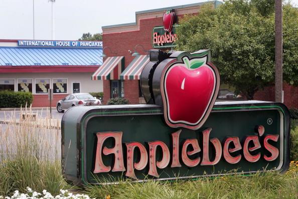 Applebees sign.
