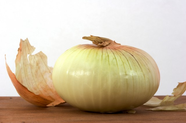 a peeled onion