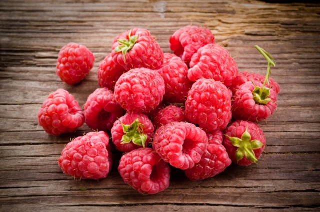 raspberries can be used to make homemade purée recipes