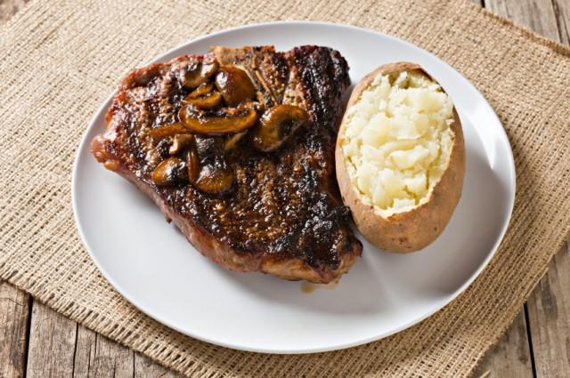 Steak With Burgundy Mushroom Sauce