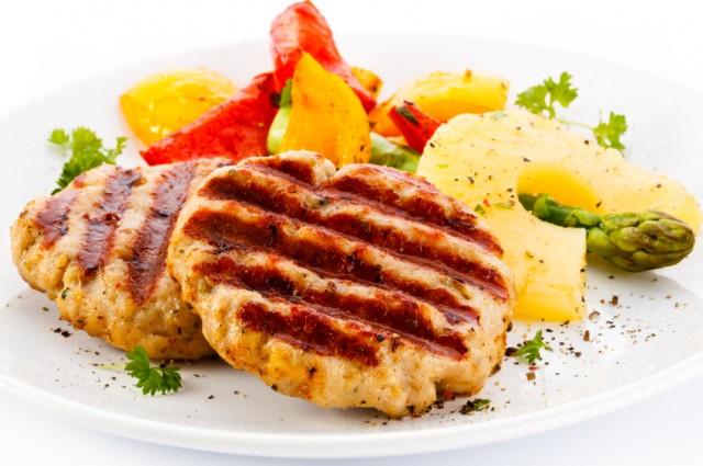 Marinated pork chops with pineapple salsa