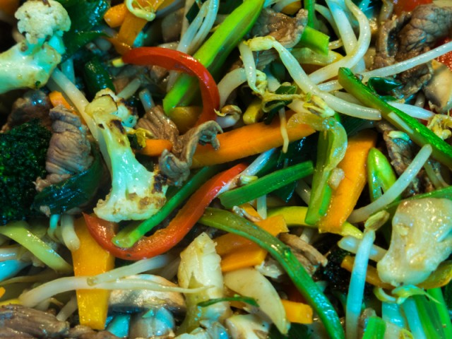 stir-fry with beef and veggies