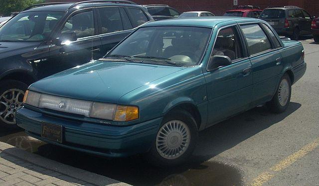 640px-'92-'94_Mercury_Topaz_Sedan_V6