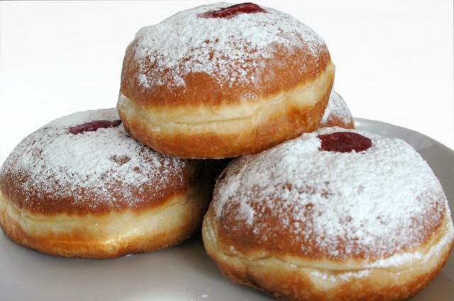 6 Traditional Jewish Recipes to Enjoy During Hanukkah