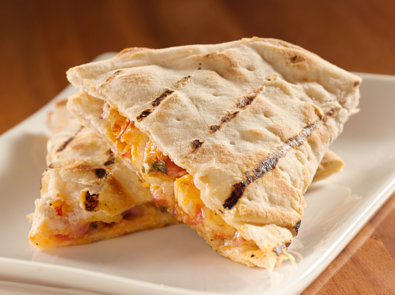 Chicken quesadilla with sauce