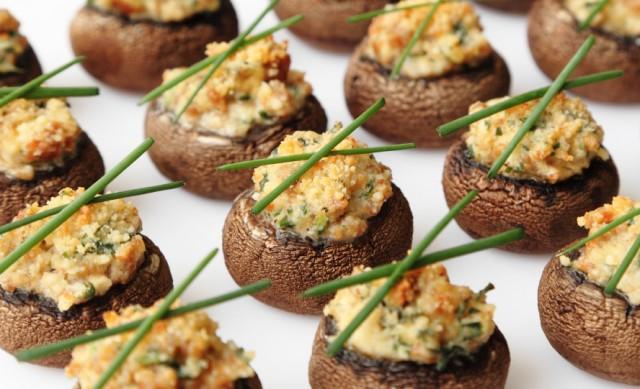 Stuffed mushrooms, vegetables