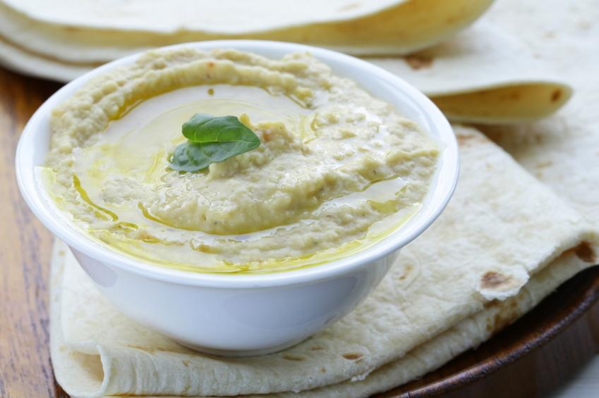 Hummus, tahini, pita