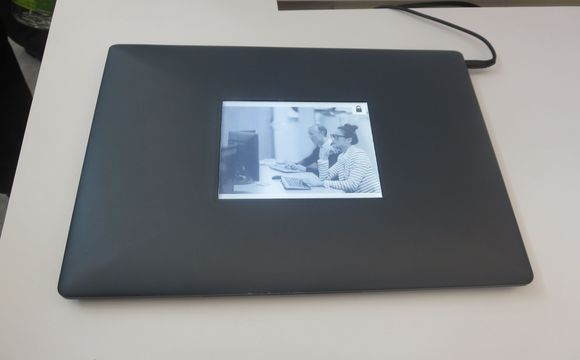 intel-eink-laptop-second-screen