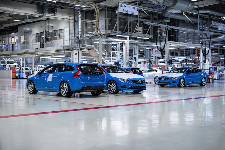 The first Volvo S60 and V60 Polestar cars have left the Volvo Torslanda factory plant on their way to customers around the world as production has begun.