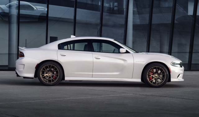 2015 Charger Hellcat (640x378)