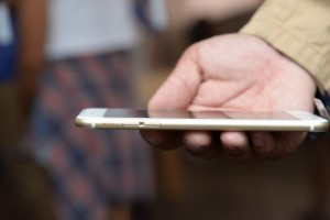 How Apple's Future iDevices May Get Even Bigger Screens