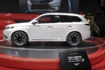 Mitsubishi Gives Its Outlander New Life With a Plug-in Hybrid Model