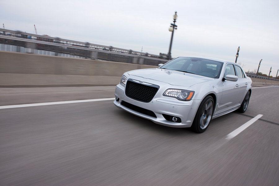 Chrysler_300SRT12US4_0149_0025
