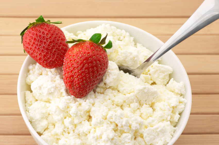 Cottage cheese, strawberries