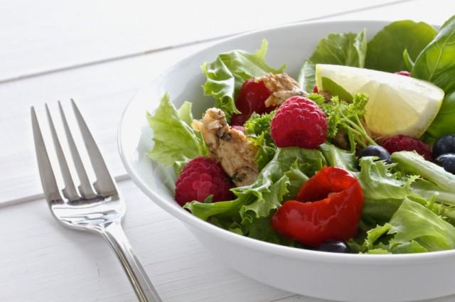 Salad, chicken, raspberries