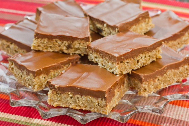 Iced Oat Bars, cookies, oatmeal, chocolate frosting