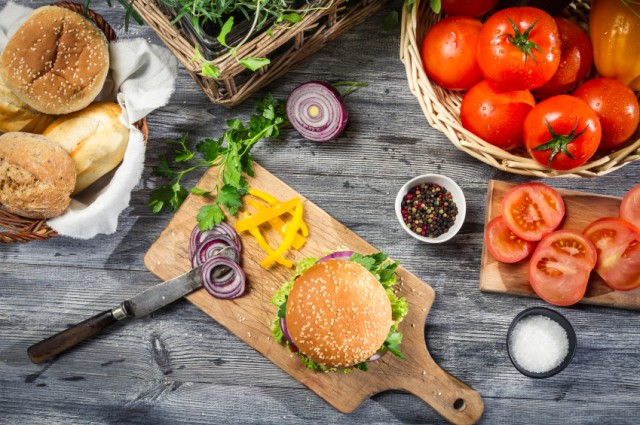 burgers and garnishes