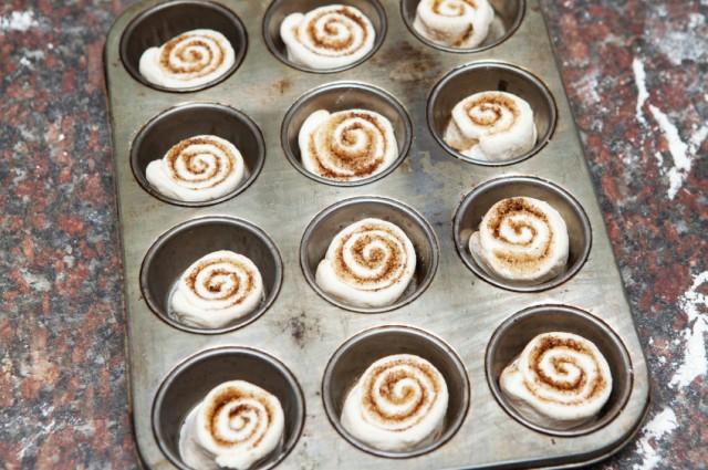 Cinnamon rolls, dough, muffin, cupcake