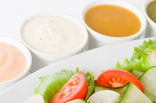 Salad with dressings