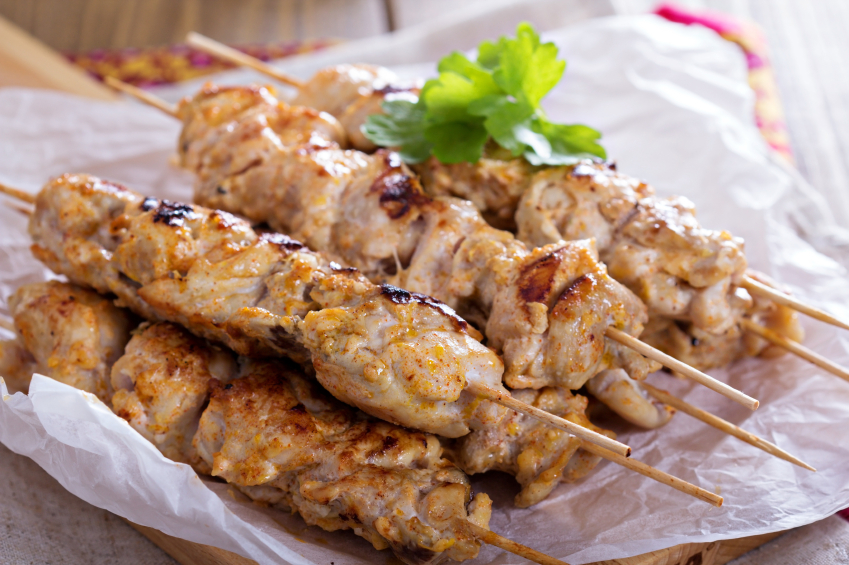 Chicken kebabs with yogurt marinade