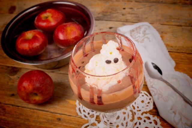 Halloween Dessert, ghost, whipped cream
