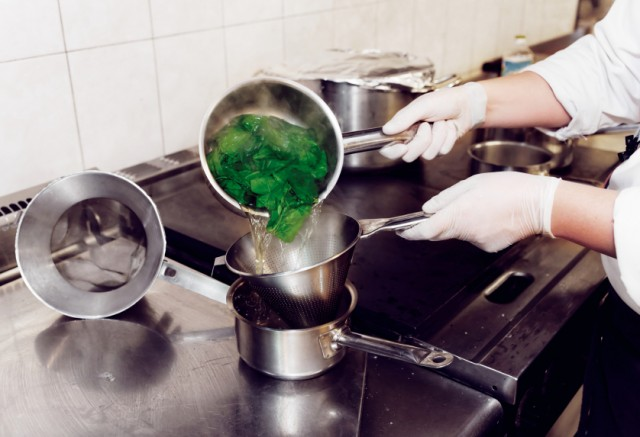 Spinach, blanching, boil, cooking