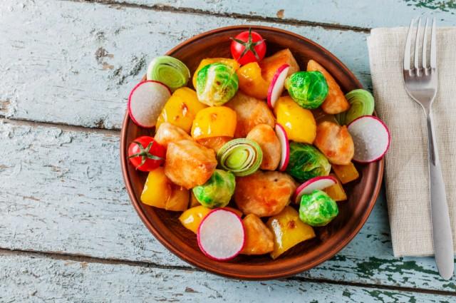 Vegetables, chicken, turkey, tomato