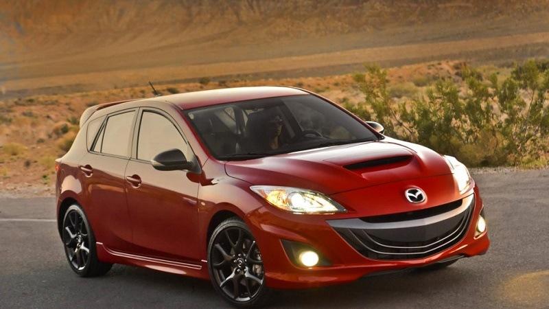 Красный Mazdaspeed 3 с 2013 года