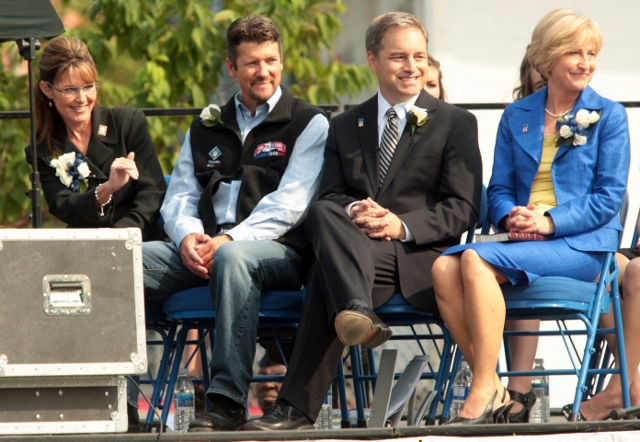 Sarah Palin Hands Over Power To Alaska's Lt. Gov. Sean Parnell