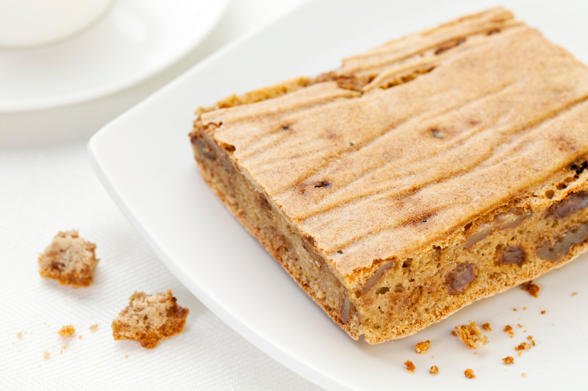 Whole wheat blondies with pecans