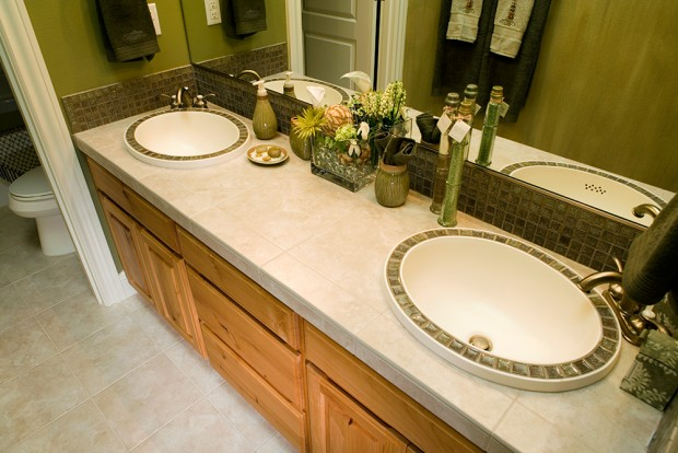 How Much Does it Cost to Reface Bathroom Cabinets