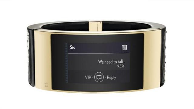Intel MICA smart bracelet messaging