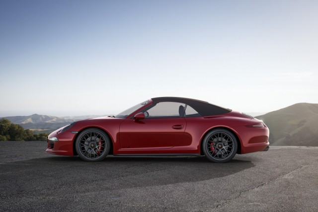 Porsche_911_GTS14_0886_a4_rgb