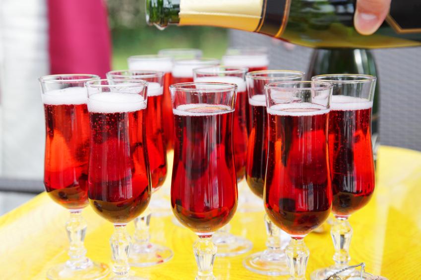 red wine spritzer cocktails