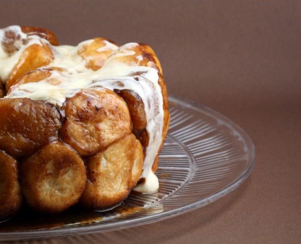 Cinnamon Monkey Bread, pull-apart bread, sticky buns