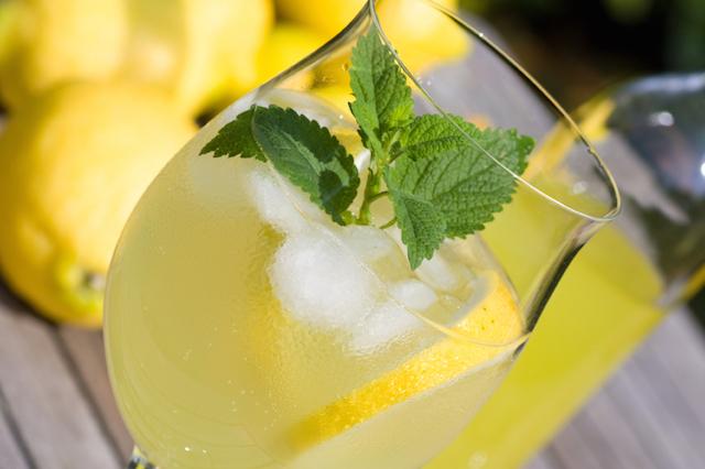 Champagne lemon, drinks, cocktails