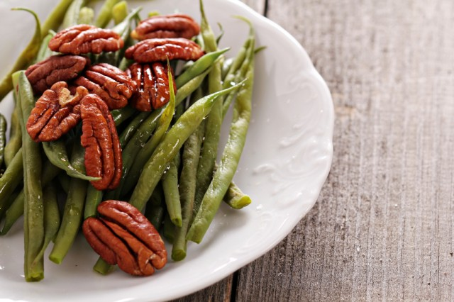 canned green beans with pecans