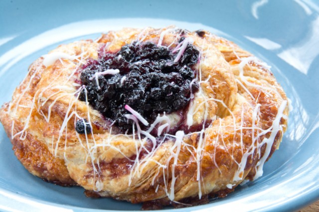 Blueberry danish pastry, fritter