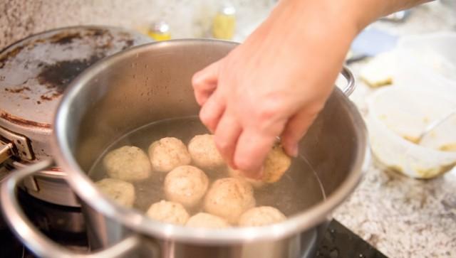 Matzo, Matzah Ball Soup