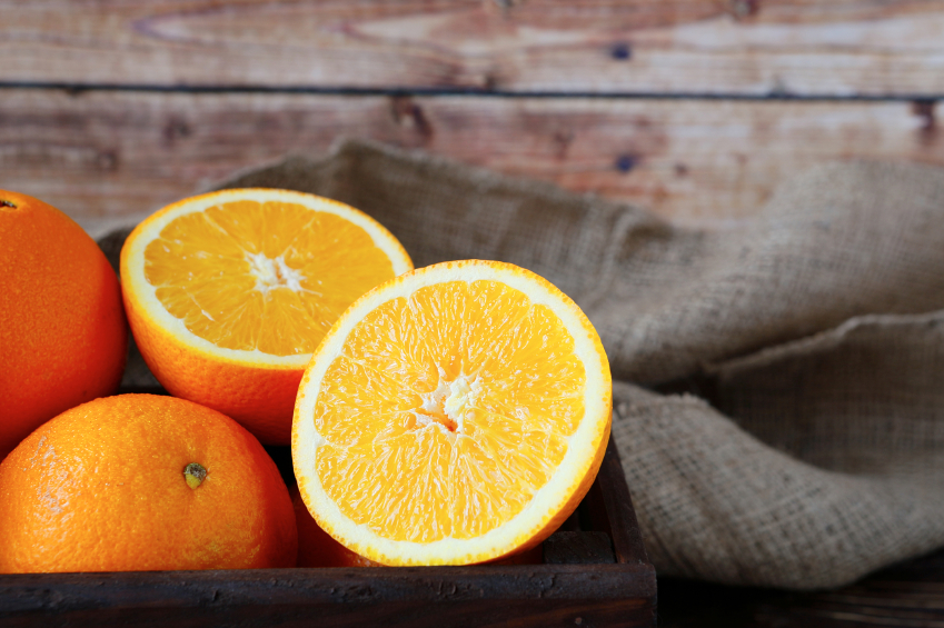 Fresh Oranges, sliced
