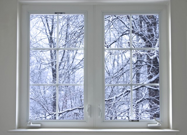 winter-window-snow-trees-home-e1419606340452.jpg