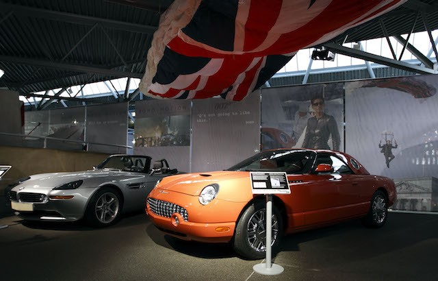 A picture shows the BMW Z8 (L) from the