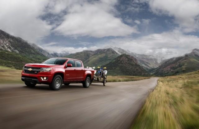 2015-Chevrolet-ColoradoZ71-009-medium