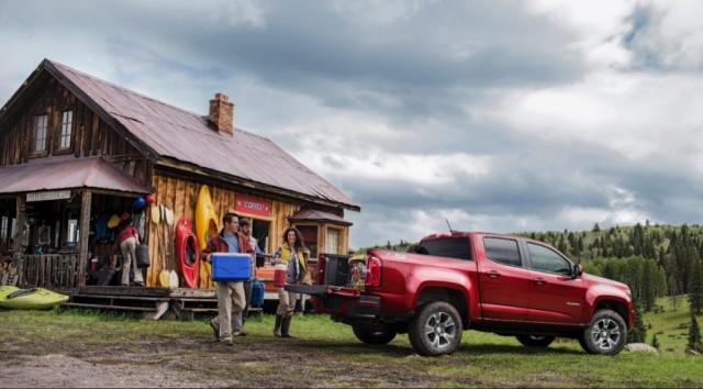 2015-Chevrolet-ColoradoZ71-014-medium