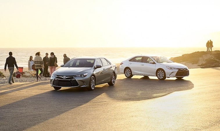 2015 camry hybrid center