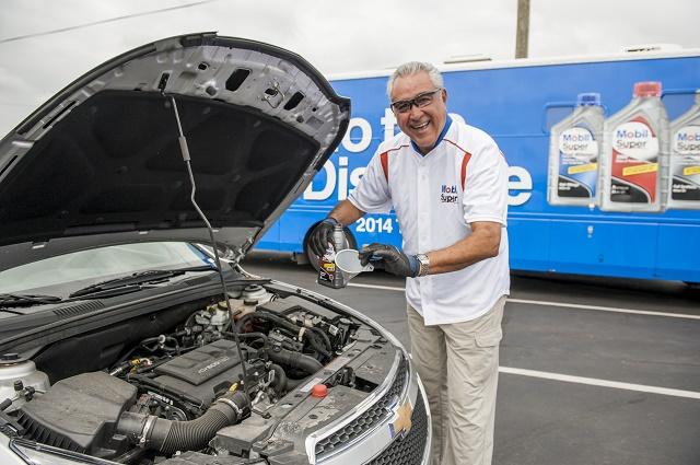 "Baseball Legend Mike Torrez Visits Roanoke, Va. As Part Of Mobil Super For ""Go The Distance"" Baseball Tour Stop"