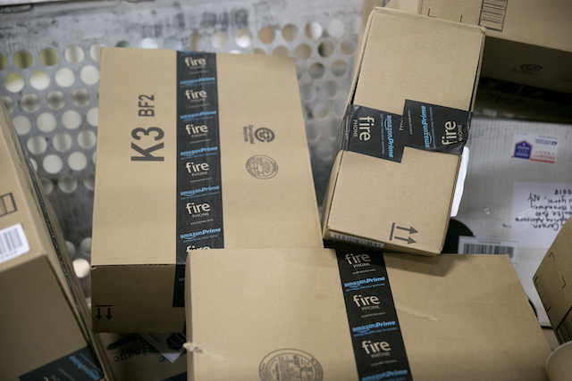 Amazon packages: US Postal Service Experiences Busiest Day Of The Year As Holidays Approach
